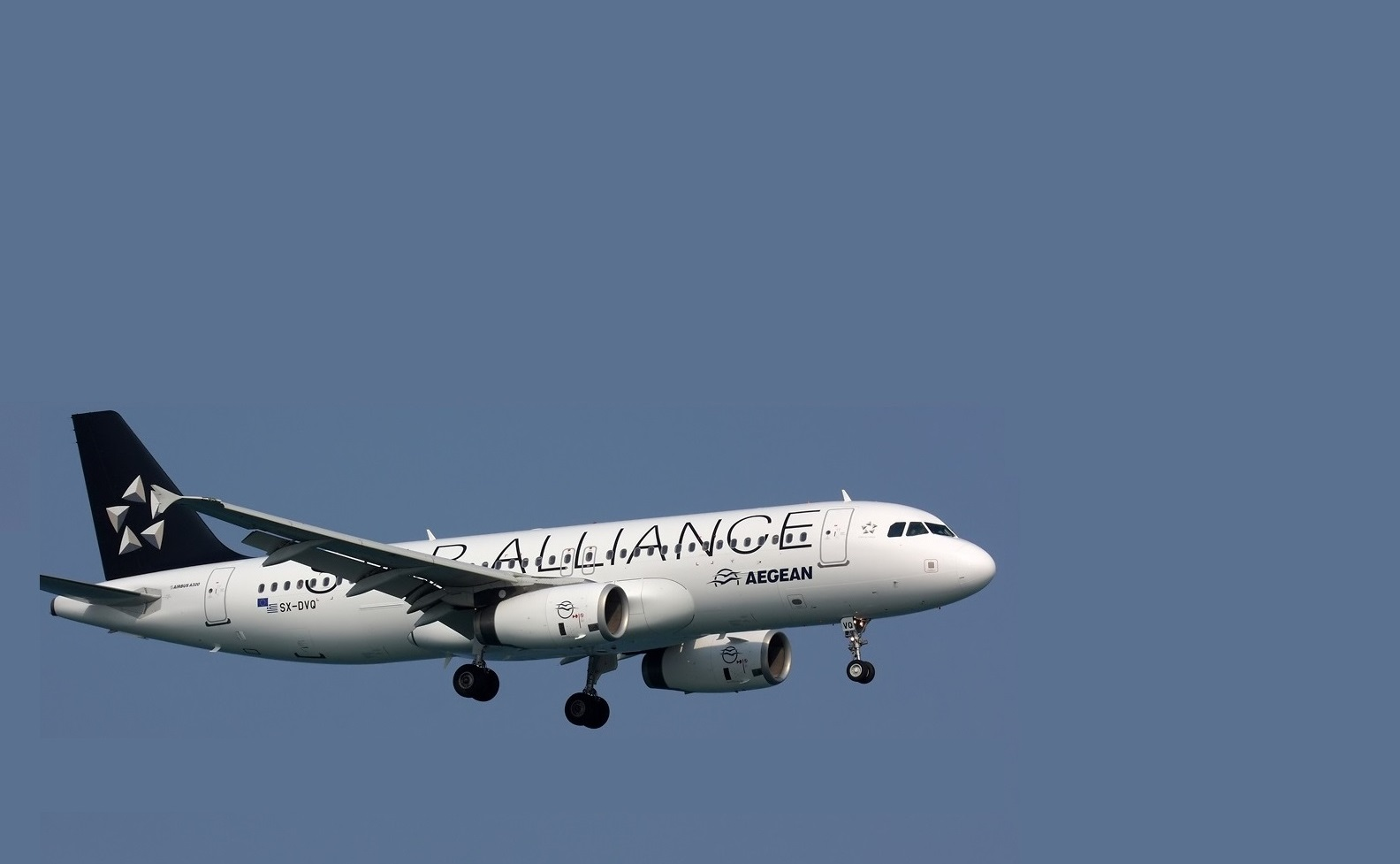 Airbus_A320-232,_Star_Alliance_(Aegean_Airlines)_AN1754880