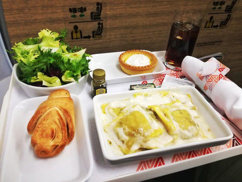 Pasta Business Class Alitalia A320 (3)